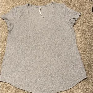 Woman's lulu lemon T-shirt